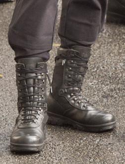 polis ayakkabı